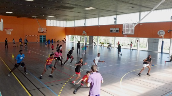 Les jeunes du BBAN (Basket Ball Association Noiséenne) en stage au Centre Regain
